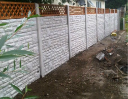 concrete fencing with trellis